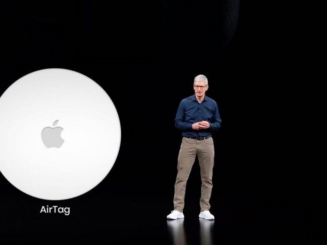 AirTag, il portachiavi smart di Apple arriva in due taglie